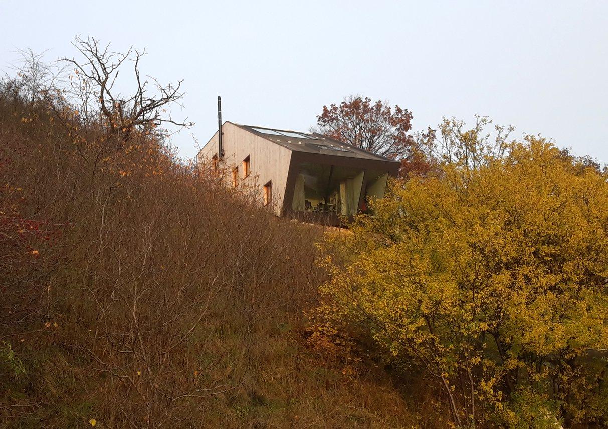 rodinný dům ve svahu ochoz u brna